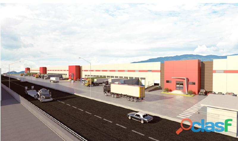 Renta de bodega industrial de 38,000 m2 en querétaro