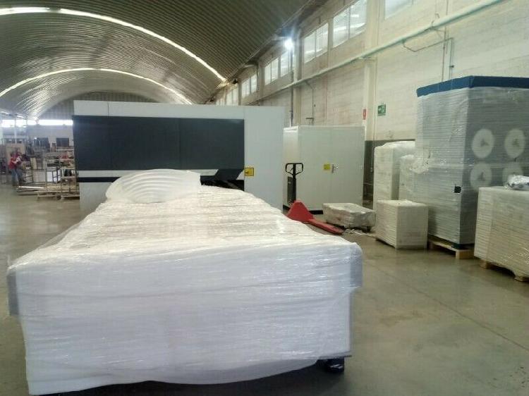 Cortadora láser cnc 4000 w ipg con covers y mesas