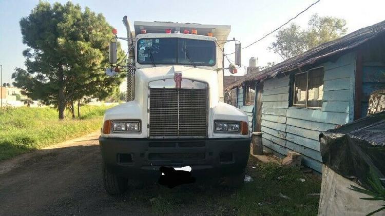 Camión kenworth modelo 87