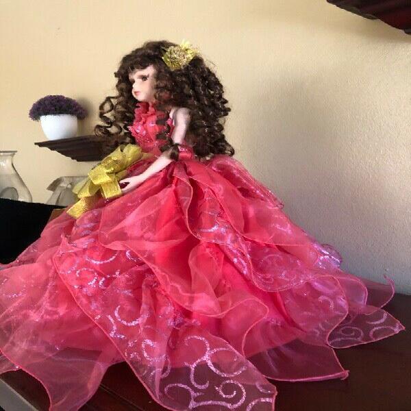 Muñeca de 15 años