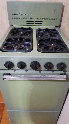 Estufa acros de 4 quemadores con horno