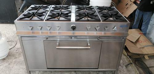 Estufa con horno y 8 quemadores acero inoxidable mobil
