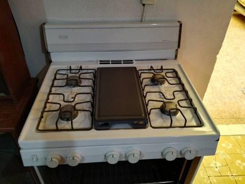 Estufa mabe 5 quemadores y horno grande