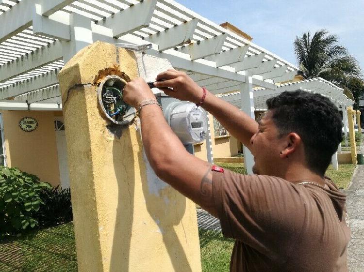 Electricista servicios en todo veracruz 24 horas.