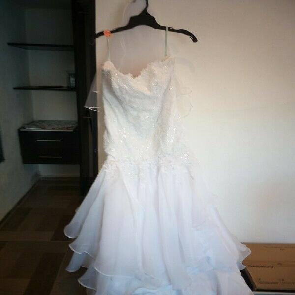 Precioso vestido de novia con ajuar completo espeial para ti