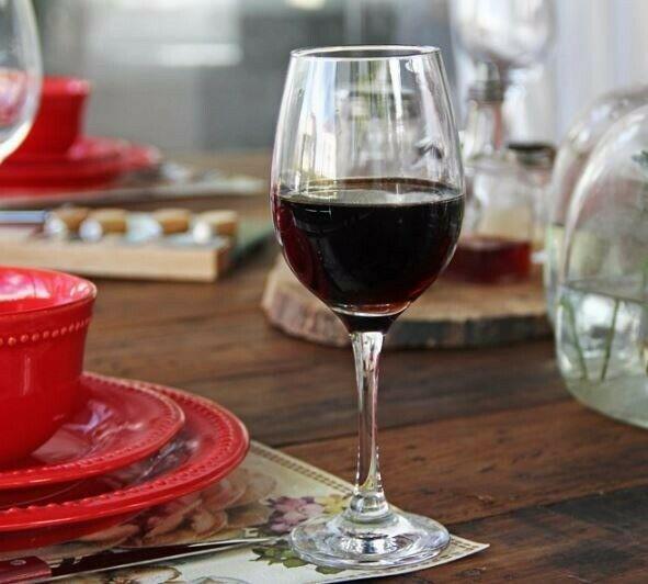 Renta de loza, vajillas, cristalería, vasos, platos,