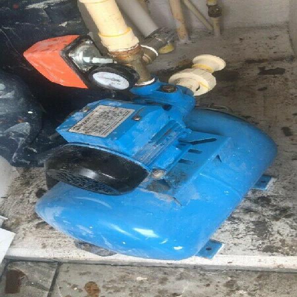 Reparación de bomba de agua