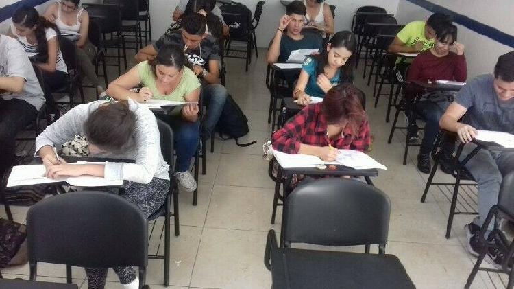 Curso de preparación para el examen de admisión al cecytej