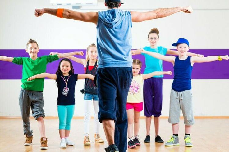 Maestr@ de baile (expert@ en niños, adolescentes)