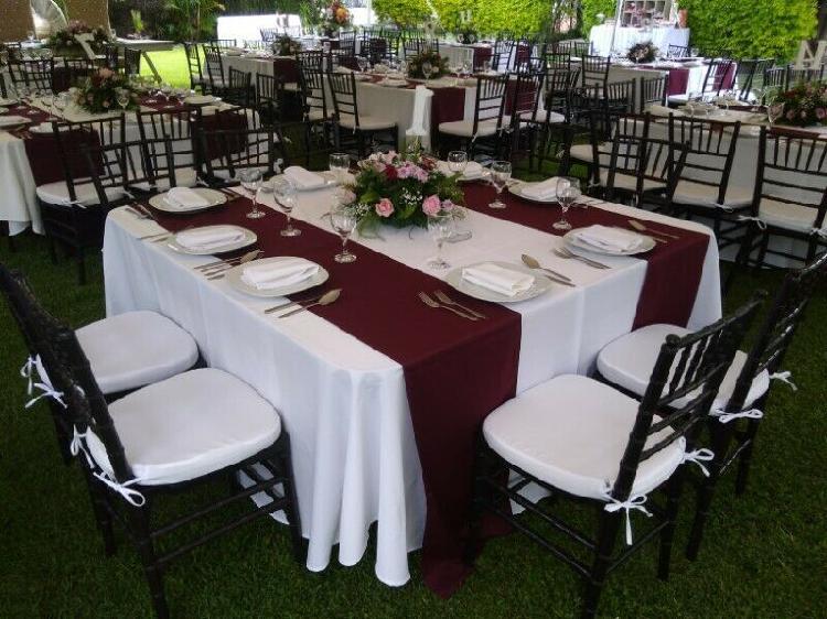 Renta de mesas y sillas!!