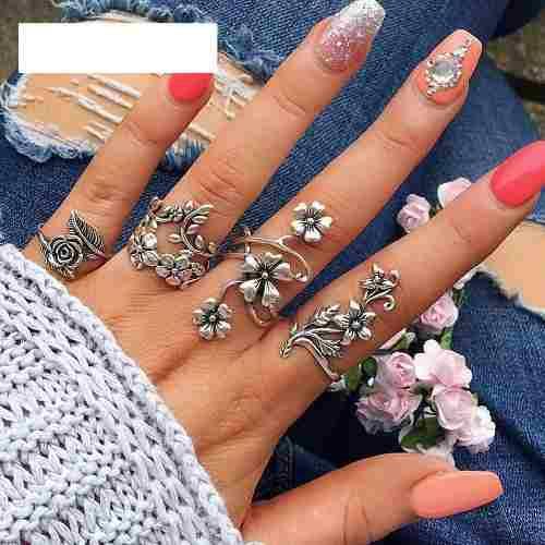 Set de 4 anillos naturaleza en color plateado para mujer