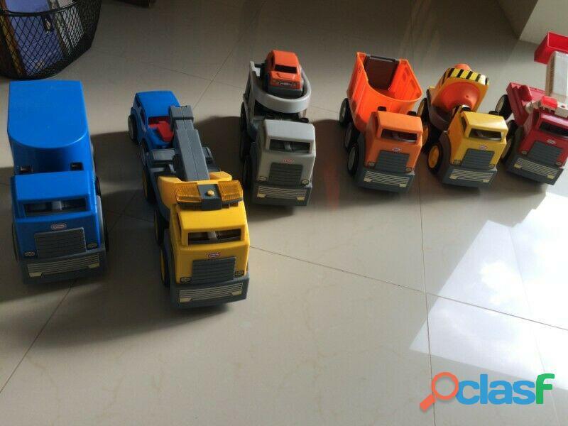 Set de camiones little tikes