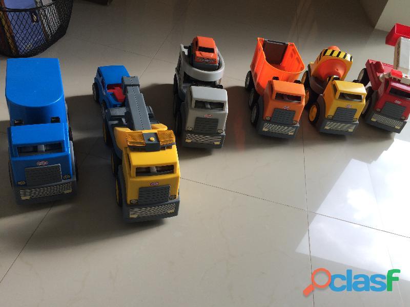 Set de camiones Little Tikes 1