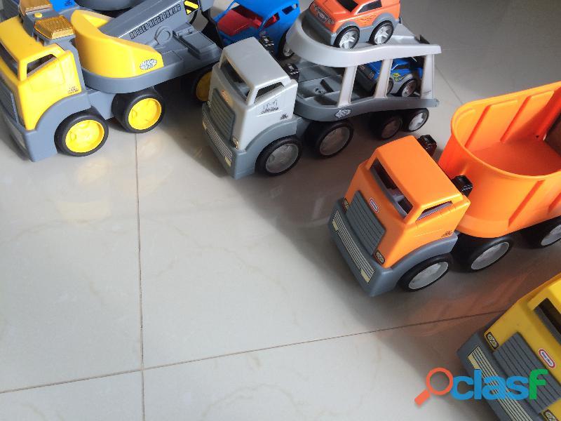 Set de camiones Little Tikes 2