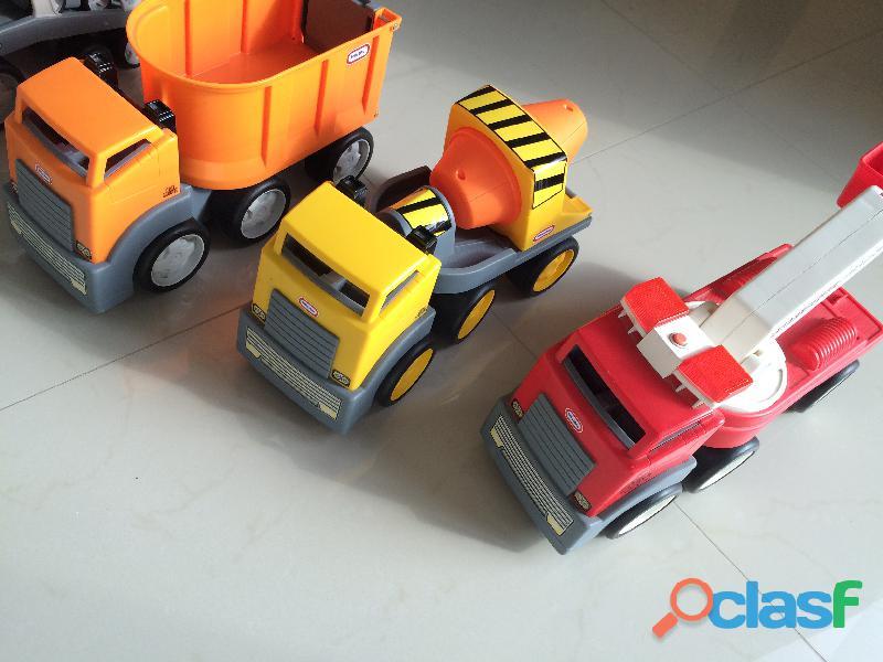 Set de camiones Little Tikes 3