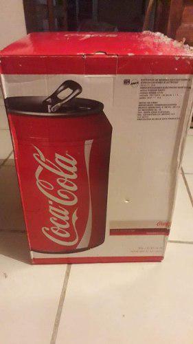 Mini refrigerador coca cola en forma de lata