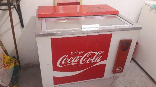 Refrigerador antiguo vintage coca cola