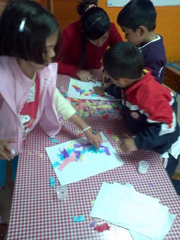 Taller de artes plásticas para niños y jóvenes, distrito