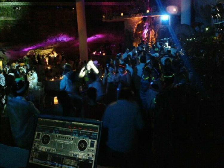 Audio / iluminacion / dj,s / karaoke / playa del carmen