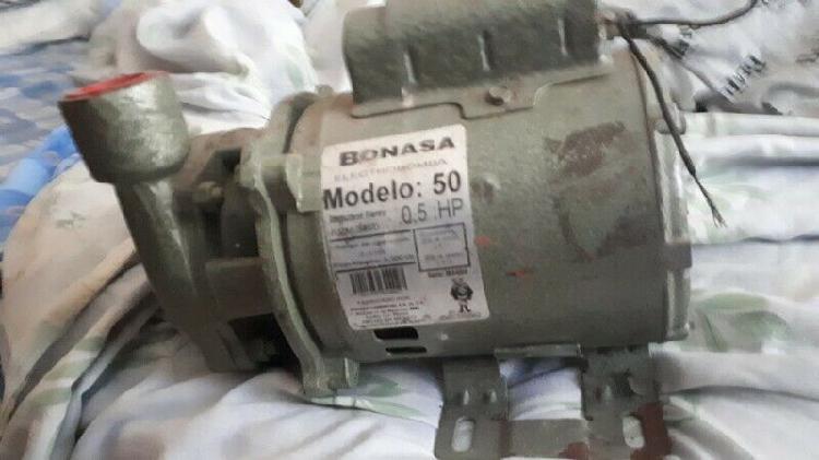 """Vendo bomba para agua """"bonasa"""" mod 50 de 0.5 hp"""