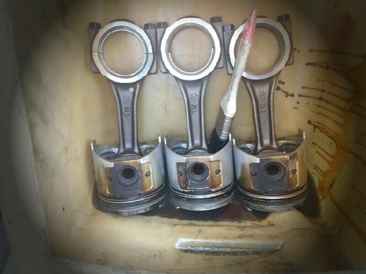 Vendo partes de motor yanmar