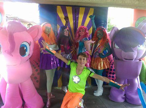Emocionante show de equestria girls