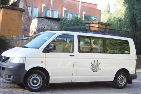 Renta de camionetas de 9 a 15 pasajeros viajes o eventos