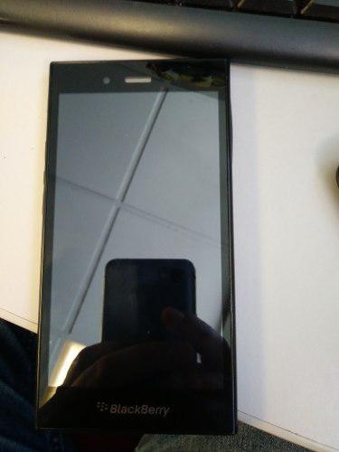 Se vende celular black berry z3