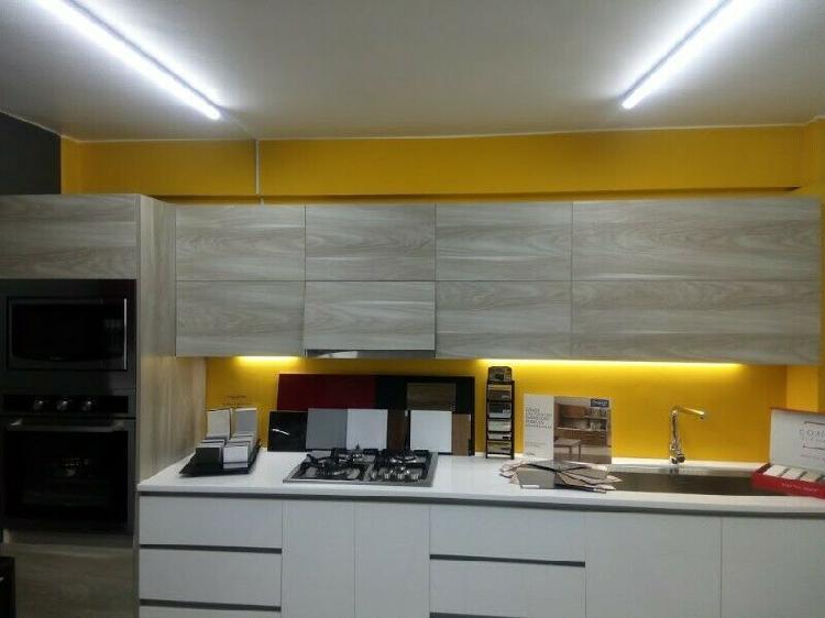 Cocina integral de exhibición 3.40 cms