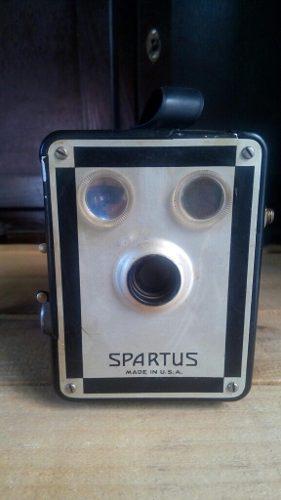 Camara fotográfica antigua spartus analoga de caja