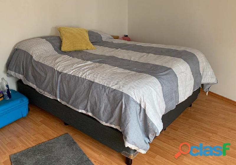 Colchón con base spring air – godiva menos de 4 meses de uso.