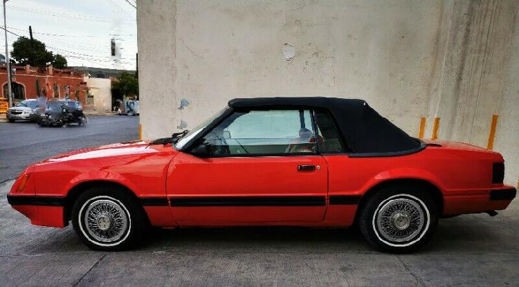 Ford mustang convertible 1984