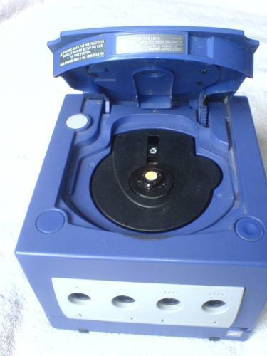 Game cube + cables de av y corriente + control mmu