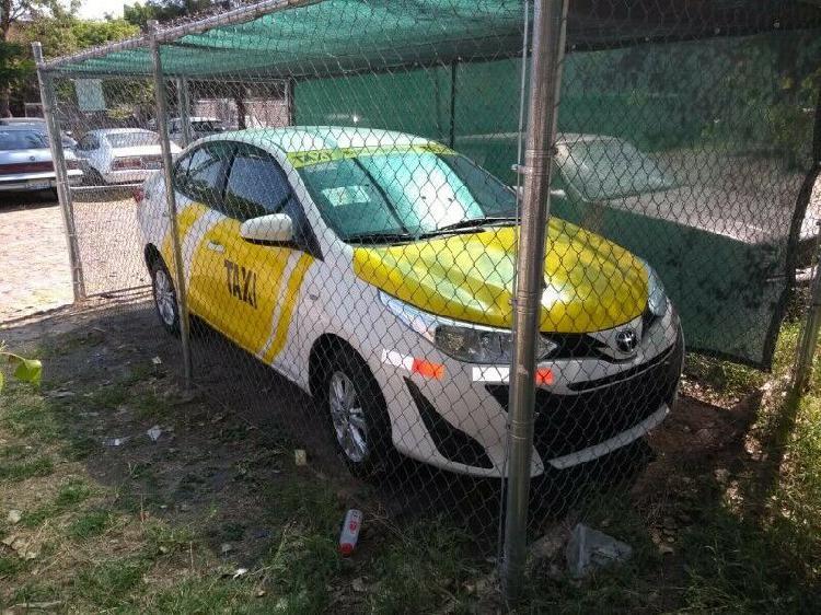 Rento o vendo permiso para taxi