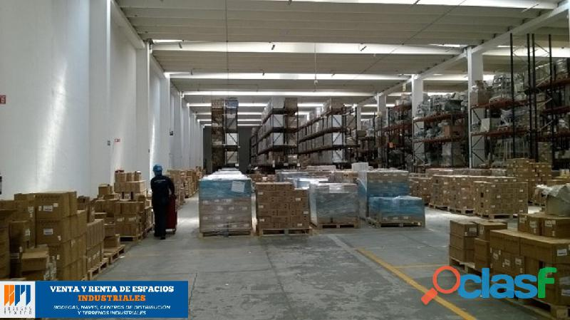 Venta de bodega industrial de 5,362 m2 en toluca