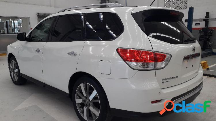 Mexique: nissan pathfinder np exclusive cvt