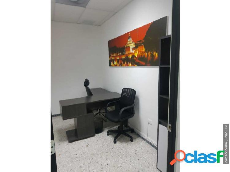 Renta de oficinas equipadas / amueblada