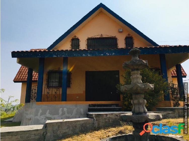 Casa estilo californiano zona lomas de angelópolis