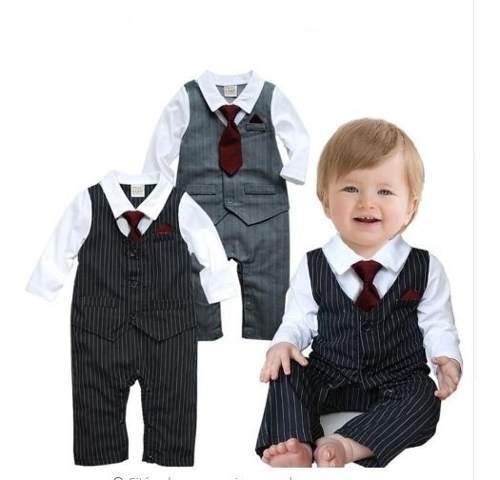 Mameluco traje a rayas con corbata