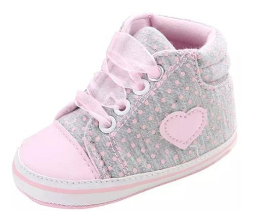 Zapatos de beba tiernos hermosos niña comodo