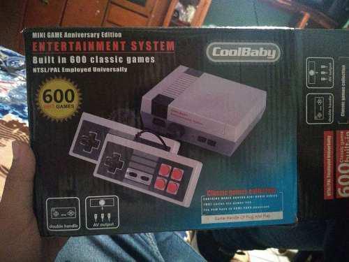 Mini consola de videojuegos con 600 juegos incluidos