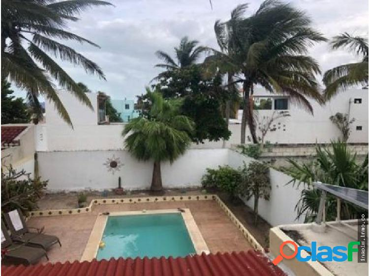 "Casa cerca de la playa ""casa bella"" en chelém"