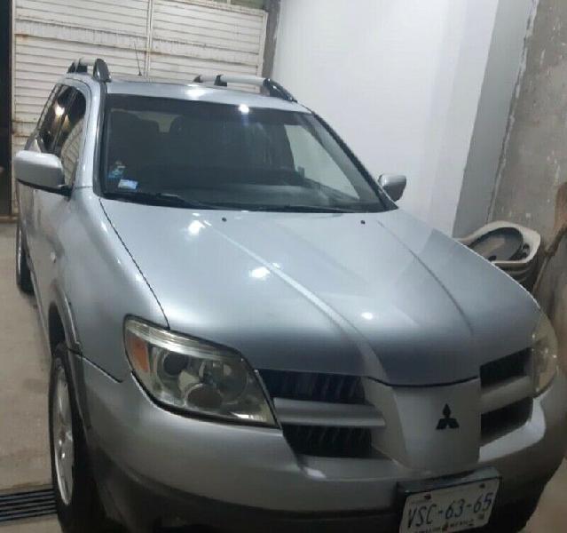 Mitsubishi 2005