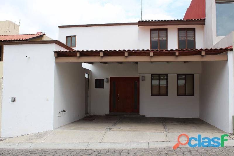 Casa en renta atrás de plaza san diego.