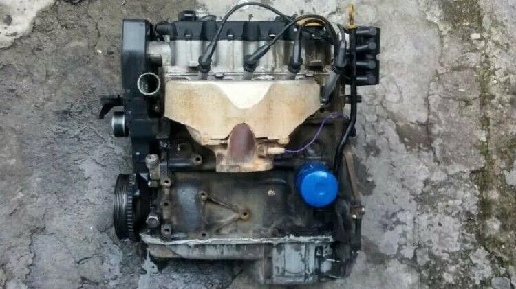 Motor corsa 1.8 y transmicion estandart 5 vel. buenas