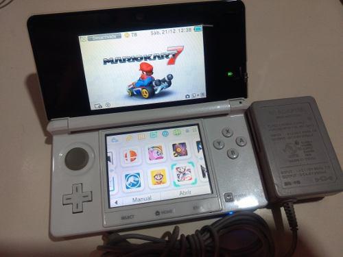 Nintendo 3ds con memoria micro sd 32 gigas y cargador origi