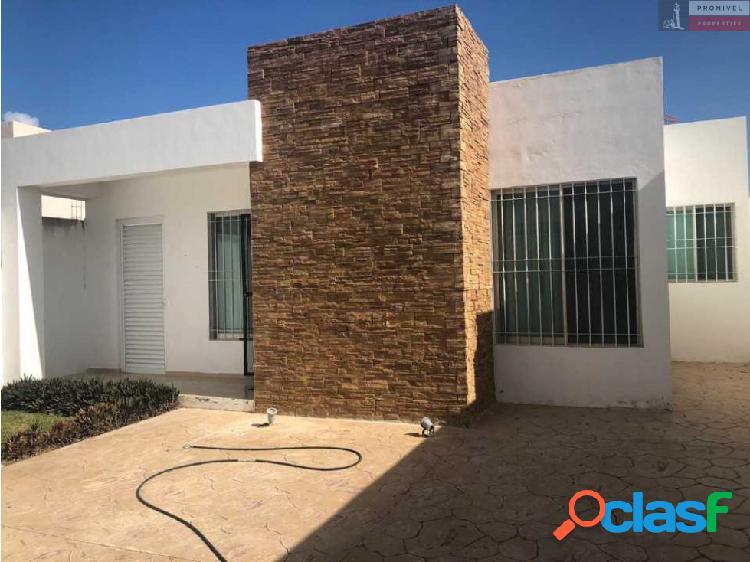 SE VENDE casa de una planta en Gran Santa Fé, Mérida.