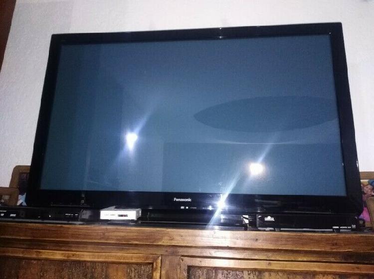 Televisión panasonic, pantalla plana, 50. excelentes