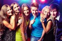 Conoce solteros y parejas que disfrutan del sexo en