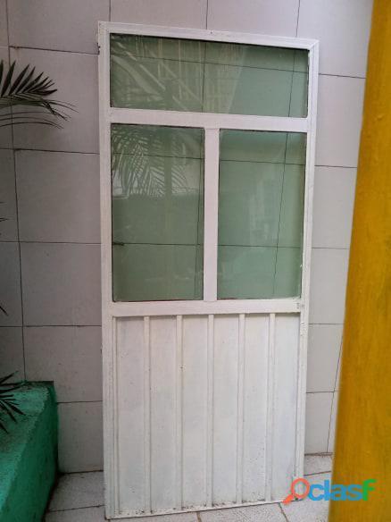 Puertas de metal con y sin vidrios 7